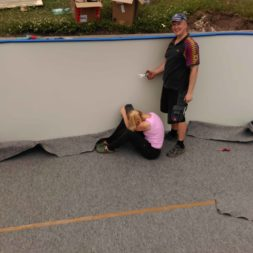 pool aufbau und anschluss 5 - Projekt Poolbau – Der Aufbau des Stahlwandpools