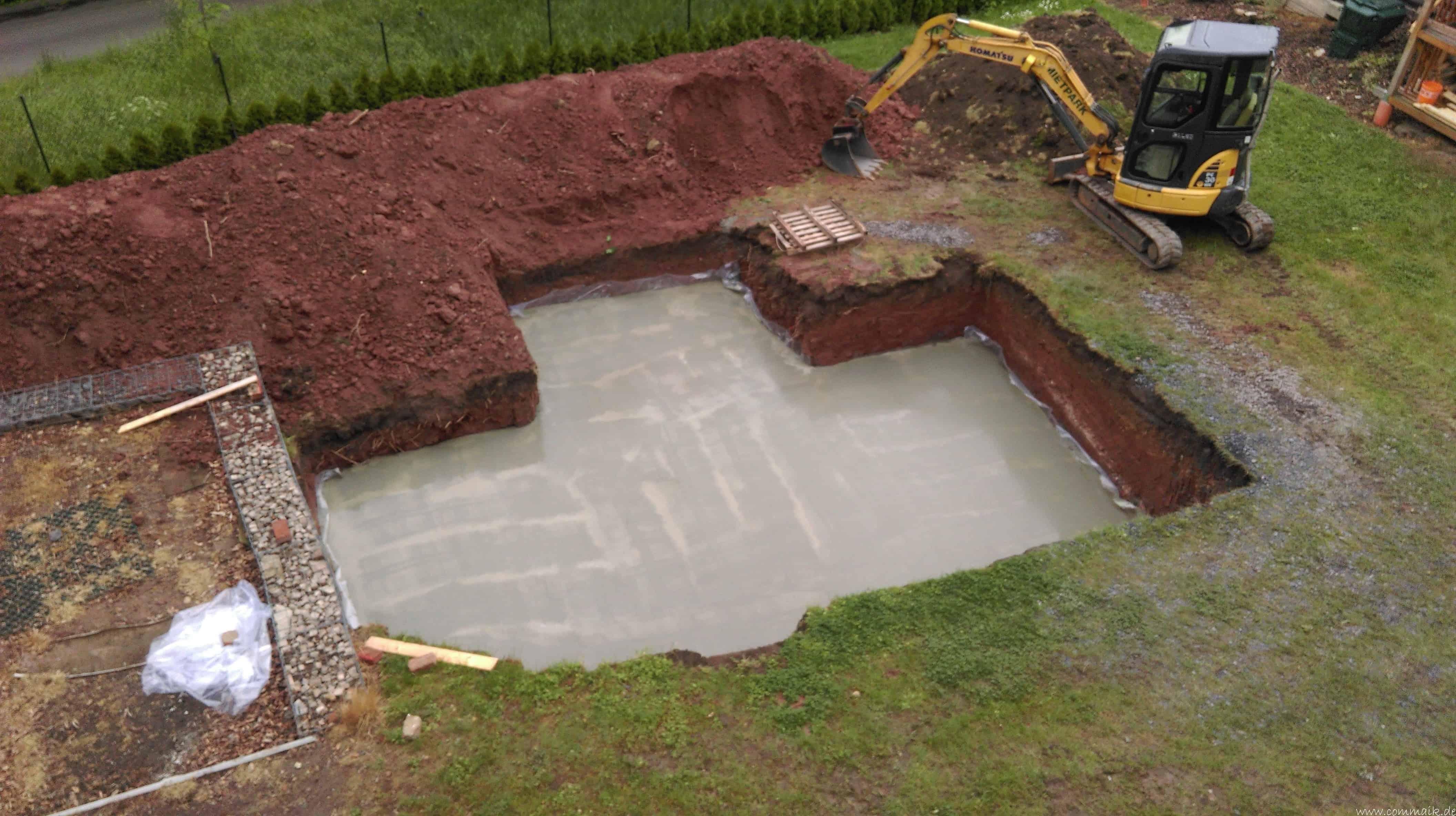Baugrube Und Bodenplatte Unser Poolprojekt Schreitet Voran Commaik