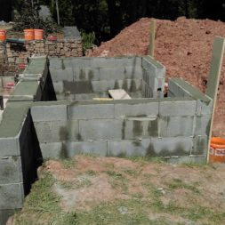 pool schacht und mauerarbeiten 50 1 - Projekt Poolbau – Das Technikhaus