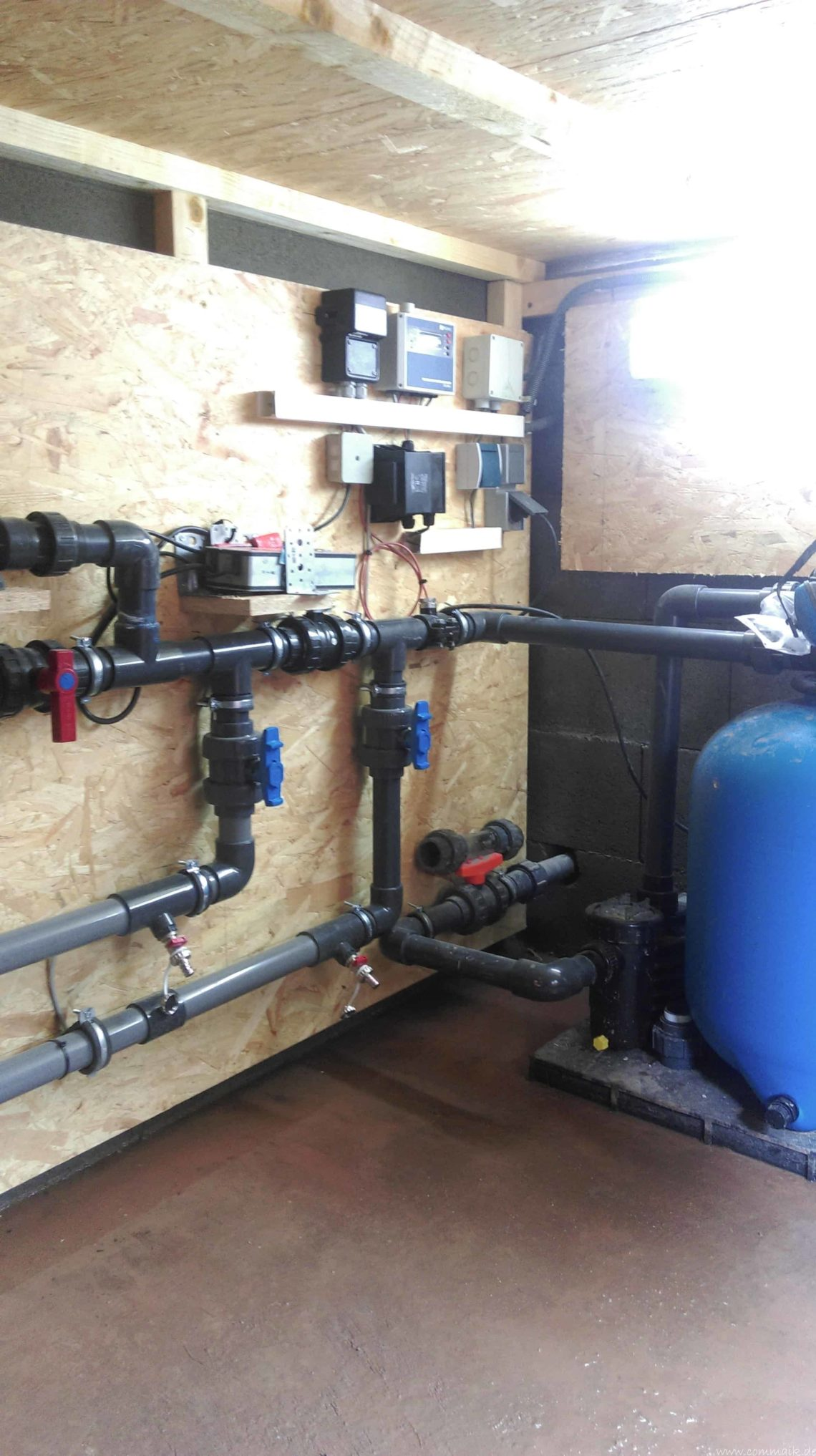 pool installationen 12 - Projekt Poolbau – Verrohrung im Technikhaus