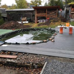 einbau der bpc wpc dielen poolterrasse 20 - Projekt Poolterrasse –  Bau der Unterkonstruktion und Verlegen der BPC Dielen