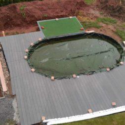 einbau der bpc wpc dielen poolterrasse 28 - Projekt Poolterrasse –  Bau der Unterkonstruktion und Verlegen der BPC Dielen
