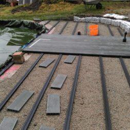 einbau der bpc wpc dielen poolterrasse 7 - Projekt Poolterrasse –  Bau der Unterkonstruktion und Verlegen der BPC Dielen