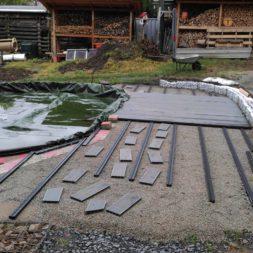 einbau der bpc wpc dielen poolterrasse 9 - Projekt Poolterrasse –  Bau der Unterkonstruktion und Verlegen der BPC Dielen