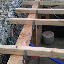 unterkonstruktion bpc wpc poolterrasse 30 - Projekt Poolterrasse – Bau der freistehenden Unterkonstruktion für die BPC Dielen