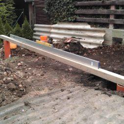3 brennholzlageregal mit poolsolarheizung 15 - Das vierte Brennholzlagerregal mit Solarkollektoren für den Pool wird gebaut