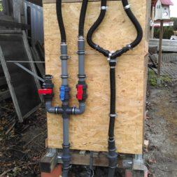 3 brennholzlageregal mit poolsolarheizung 19 - Das vierte Brennholzlagerregal mit Solarkollektoren für den Pool wird gebaut