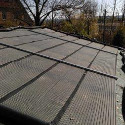 3 brennholzlageregal mit poolsolarheizung 3 - Das vierte Brennholzlagerregal mit Solarkollektoren für den Pool wird gebaut