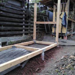 3 brennholzlageregal mit poolsolarheizung 39 - Das vierte Brennholzlagerregal mit Solarkollektoren für den Pool wird gebaut