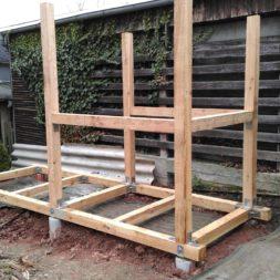3 brennholzlageregal mit poolsolarheizung 43 - Das vierte Brennholzlagerregal mit Solarkollektoren für den Pool wird gebaut