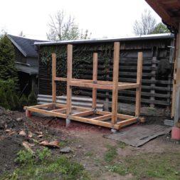 3 brennholzlageregal mit poolsolarheizung 46 - Das vierte Brennholzlagerregal mit Solarkollektoren für den Pool wird gebaut