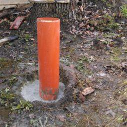 3 brennholzlageregal mit poolsolarheizung 6 - Das vierte Brennholzlagerregal mit Solarkollektoren für den Pool wird gebaut