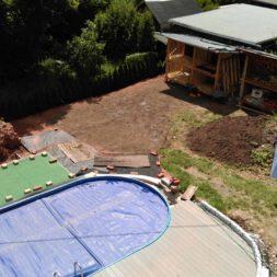 erde sieben und rasen am pool neu anlegen 36 - Pool Aussenanlagen vorbereiten - Platz schaffen für die Rasenanlage