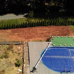 erde sieben und rasen am pool neu anlegen 56 - Pool Aussenanlagen vorbereiten - Platz schaffen für die Rasenanlage