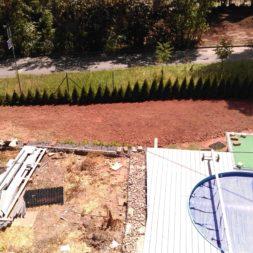 erde sieben und rasen am pool neu anlegen 68 - Pool Aussenanlagen vorbereiten - Platz schaffen für die Rasenanlage