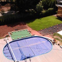 erde sieben und rasen am pool neu anlegen 69 - Pool Aussenanlagen vorbereiten - Platz schaffen für die Rasenanlage
