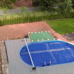 erde sieben und rasen am pool neu anlegen 76 - Pool Aussenanlagen vorbereiten - Platz schaffen für die Rasenanlage