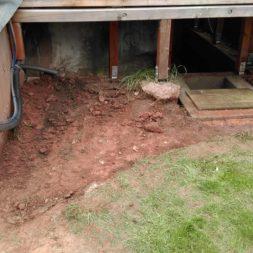 treppe in hang bauen am pool 14 - Zwei Betontreppen werden am Pool in den Hang gebaut