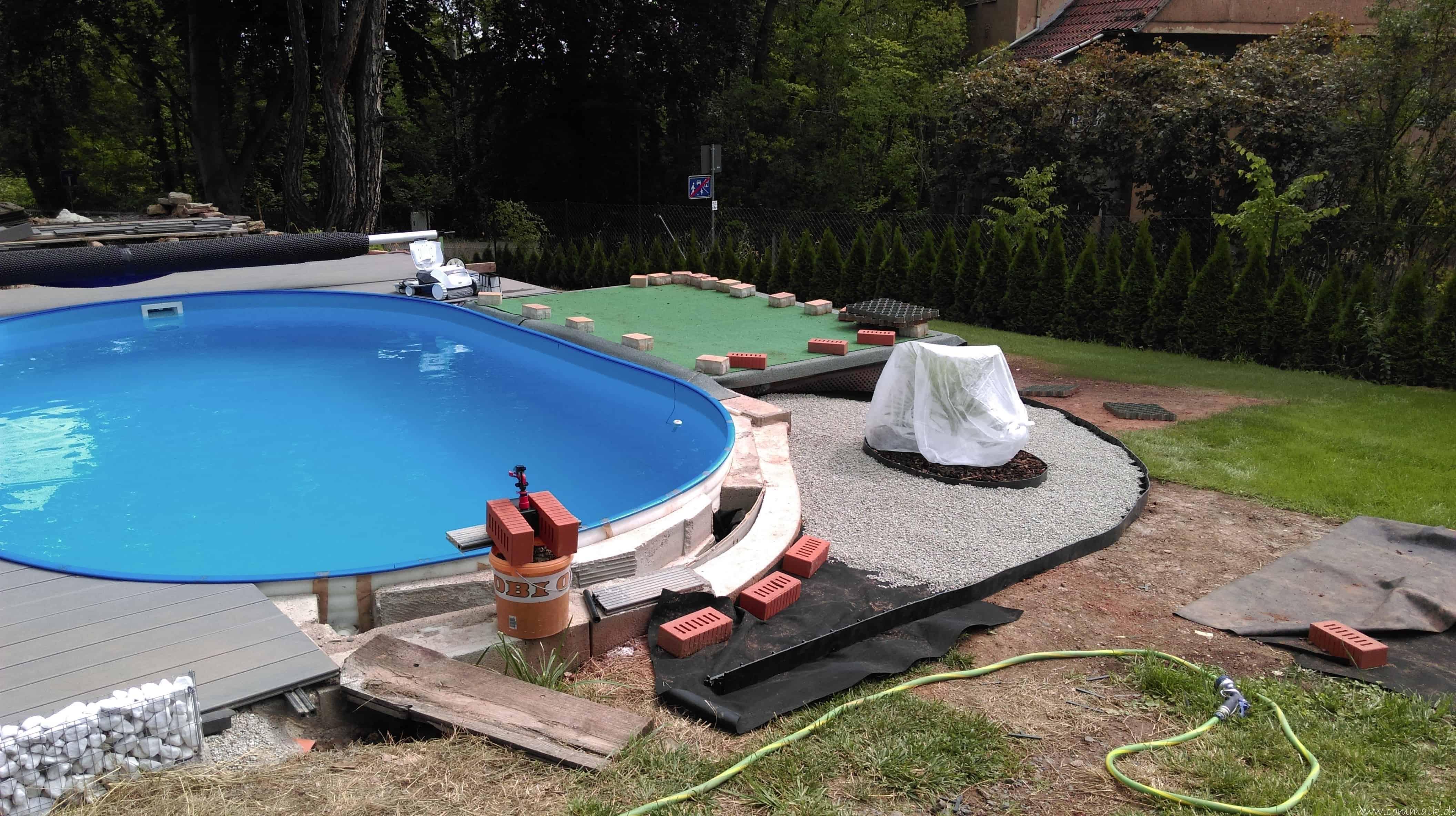 carrara kies und palmen am pool commaik. Black Bedroom Furniture Sets. Home Design Ideas