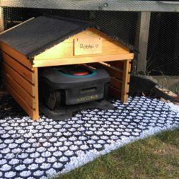 Rasenroboter bekommt ein Haus 3 - Automatisierung im Garten – Einbau und Nutzung des Rasenroboters Gardena Sileno+