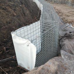 IMG 20200215 150413 - Hang mit Gabionen sichern - Ecken und Kurven bauen   Körbe ausrichten