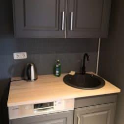 Spuehlbecken Waschbecken in Teekueche selber einbauen 3 - Granit | Stein Waschbecken mit Armatur einbauen in der Teeküche