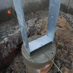Carport bauen Fundamente mit KG setzen36 - Carport selber bauen - Pfostenanker setzen
