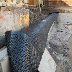Carport bauen Stuetzmauer am hang bauen37 - Carport selber bauen - Hang mit Schalsteinen sichern