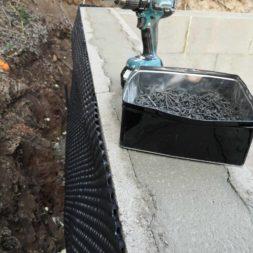 Carport bauen Stuetzmauer am hang bauen38 - Carport selber bauen - Hang mit Schalsteinen sichern