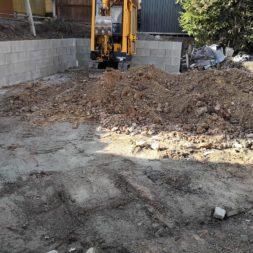 Carport bauen Stuetzmauer am hang bauen45 - Carport selber bauen - Hang mit Schalsteinen sichern