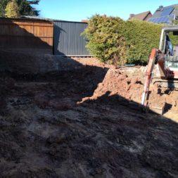 Carport bauen baugrube ausheben bauen2 - Carport selber bauen - Bauplatz vorbereiten