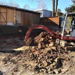 Carport bauen baugrube ausheben bauen3 - Carport selber bauen - Bauplatz vorbereiten