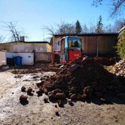 Carport bauen baugrube ausheben bauen4 - Carport selber bauen - Bauplatz vorbereiten