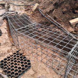 Kurve mit Gabionen bauen17 - Hang mit Gabionen sichern - Ecken und Kurven bauen