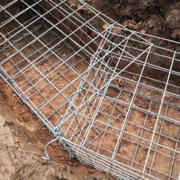 Kurve mit Gabionen bauen19 - Hang mit Gabionen sichern - Ecken und Kurven bauen