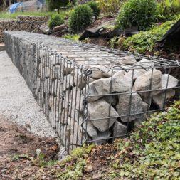 Hangsicherung mit Gabionen36 - Gabionen Mauer am Hang ausbauen und erweitern | Hangsicherung | Hochbeet