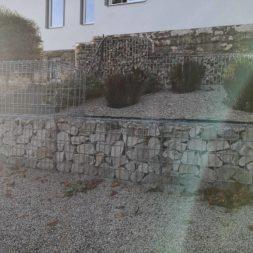 IMG 20201114 091322 - Gabionen Mauer am Hang ausbauen und erweitern | Hangsicherung | Hochbeet