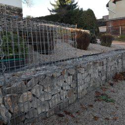 IMG 20201114 091357 - Gabionen Mauer am Hang ausbauen und erweitern | Hangsicherung | Hochbeet