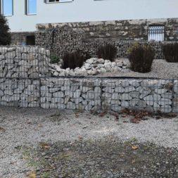 IMG 20201114 120401 - Gabionen Mauer am Hang ausbauen und erweitern | Hangsicherung | Hochbeet