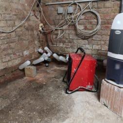 Keller Trockenlegen Inkektion 17 - Keller Trockenlegen mit Injektion #4 - Woche 3 Infrarotheizung kommt zum Einsatz