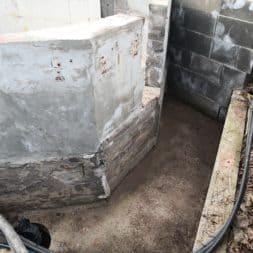 Pool umbauen Abriss Stuetzwaende Einschalung entfernen 10 - Poolumbau – Abriss Stützwände und Einschalung entfernen