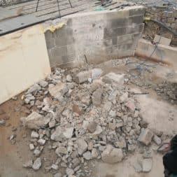 Pool umbauen Abriss Stuetzwaende Einschalung entfernen 24 - Poolumbau – Abriss Stützwände und Einschalung entfernen