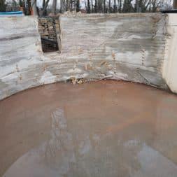 Pool umbauen Abriss Stuetzwaende Einschalung entfernen 5 - Poolumbau – Abriss Stützwände und Einschalung entfernen