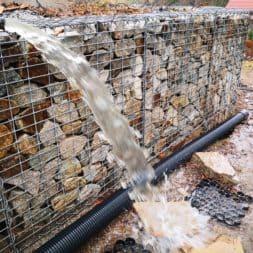 Stahlwandpool abbauen Skimmer Einlaufduese Lampe Poolfolie entfernen 12 - Pool Umbau - Rückbau vom Stahlwandpool