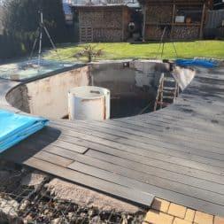 Stahlwandpool abbauen Skimmer Einlaufduese Lampe Poolfolie entfernen 47 - Pool Umbau - Rückbau vom Stahlwandpool