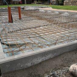 Betonfundament im Garten bauen–Gartenkueche–Tierhaus Voliere commaik.de 18 - Betonfundament im Garten bauen – Gartenküche – Tierhaus - Voliere