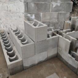 Pool umbauen Waende mauern Bewehrung einbauen 28 - Pool UMbauen – Wände mauern | Bewehrung einbauen | Schalsteine setzen