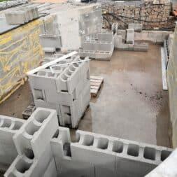 Pool umbauen Waende mauern Bewehrung einbauen 40 - Pool UMbauen – Wände mauern | Bewehrung einbauen | Schalsteine setzen