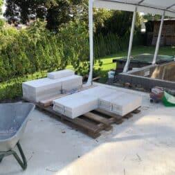 Gartenkueche bauen–Sockel und Waende mit Gasbeton Pornbeton Ytong mauern commaik.de 08 1 - Gartenküche bauen #2 – Sockel und Wände mit Gasbeton mauern