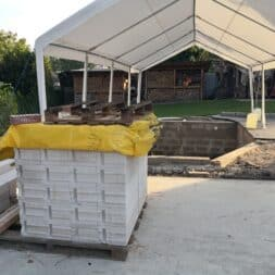 Gartenkueche bauen–Sockel und Waende mit Gasbeton Pornbeton Ytong mauern commaik.de 12 1 - Gartenküche bauen #2 – Sockel und Wände mit Gasbeton mauern